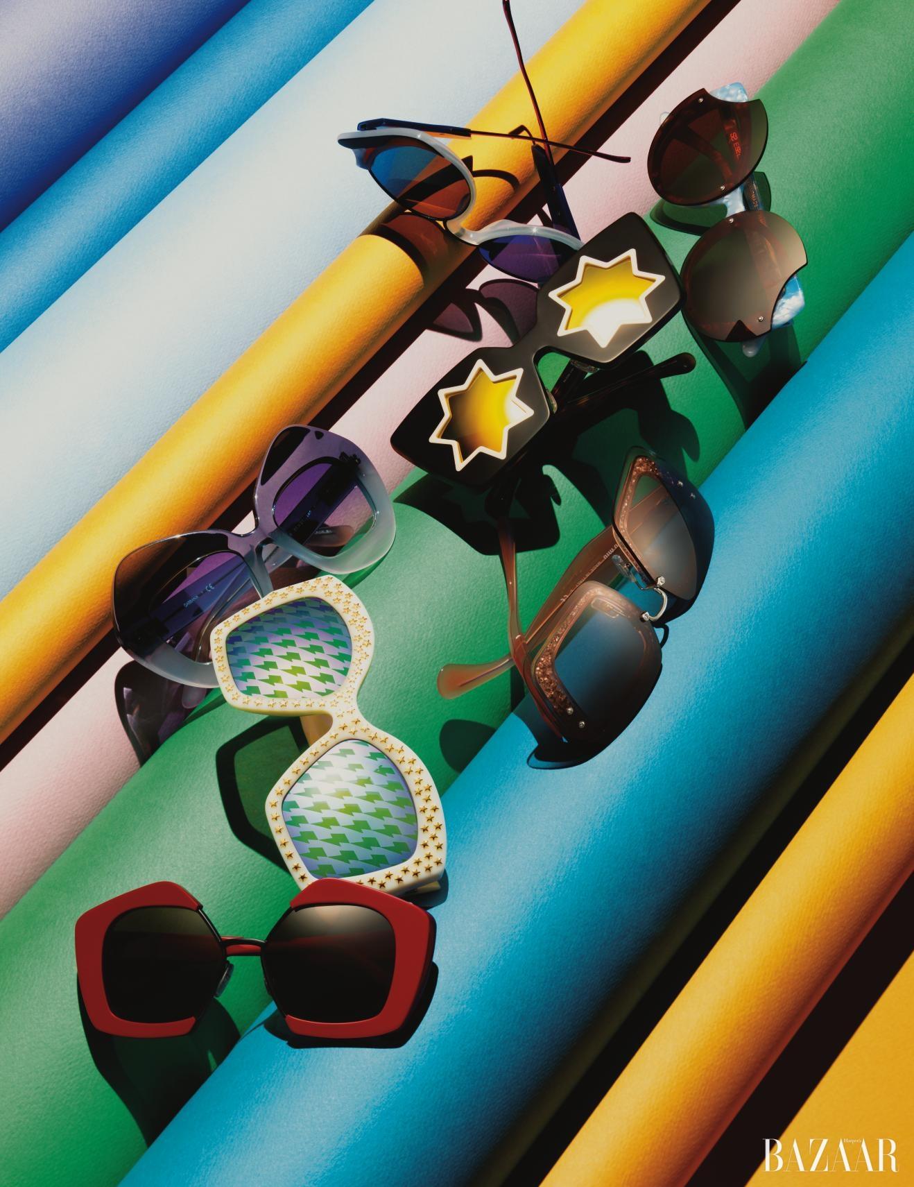 독특한 개성과 풍부한 표정을 부여해줄 유니크한 디자인의 선글라스들.