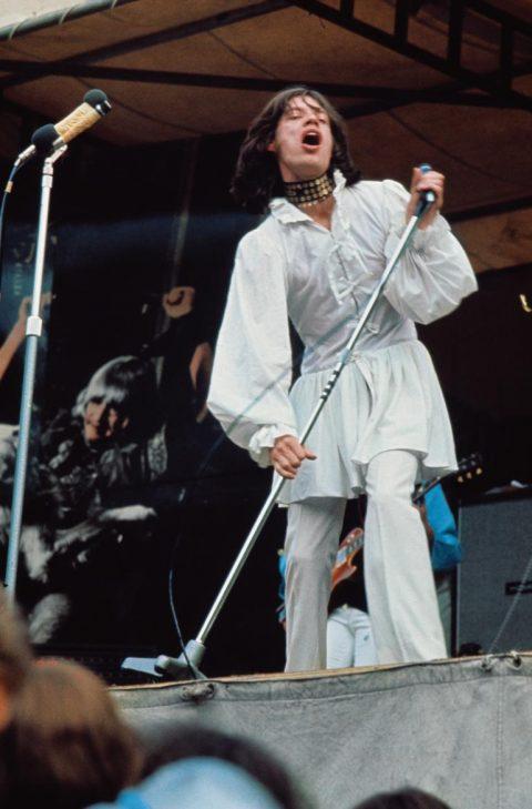 1969년 하이드 파크에서 공연하는 믹 재거