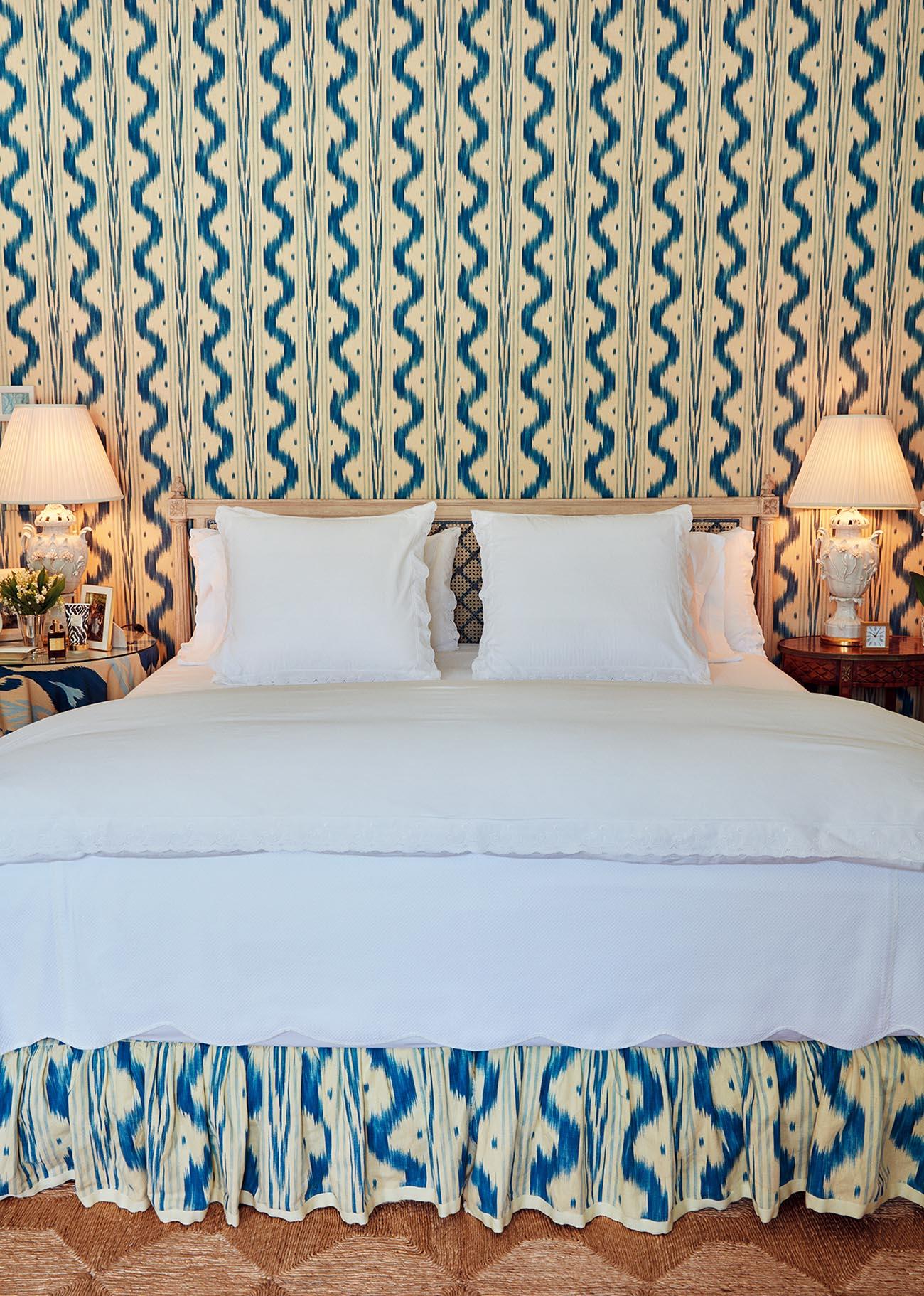 에어린 로더가 좋아하는 블루 & 화이트 방