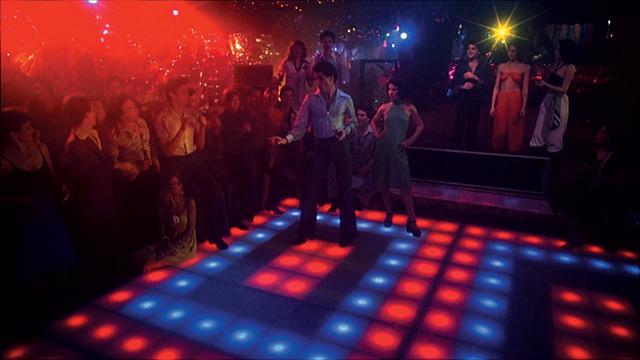 영화 <토요일 밤의 열기> 속 클럽 모습