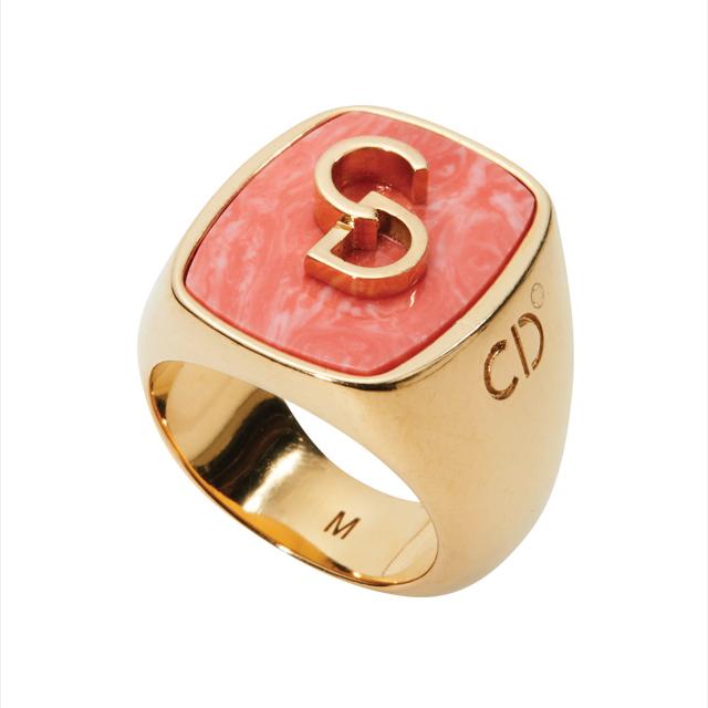 브랜드 로고가 적힌 반지는 60만원대로 Dior