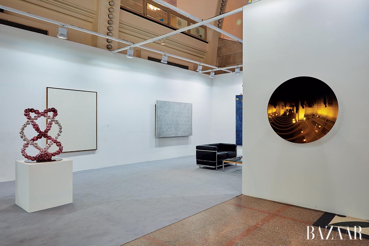 단색화로 시선을 사로잡은 아트021 페어의 국제갤러리 부스