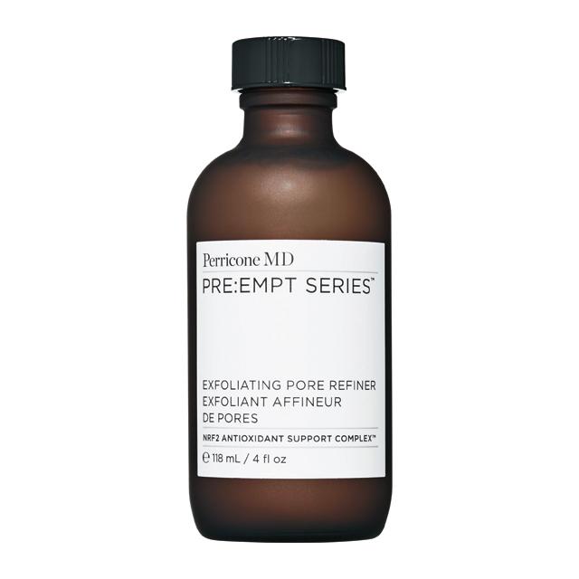 <strong>Perricone MD by La Perva</strong> 블루 플라즈마 클렌징 트리트먼트토너 타입의 각질제거제. 피부 정화와 항염 효과가 뛰어나다. 6만5천원