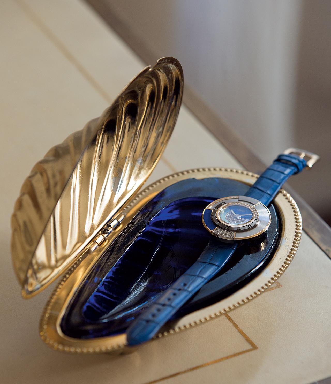 악어가죽, 라피스 라줄리, 다이아몬드 소재의 폴리크로미아 시계