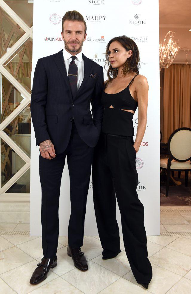 명실상부한 스타일 아이콘인 베컴, 그를 뿌듯하게 바라보는 빅토리아의 눈빛을 보라