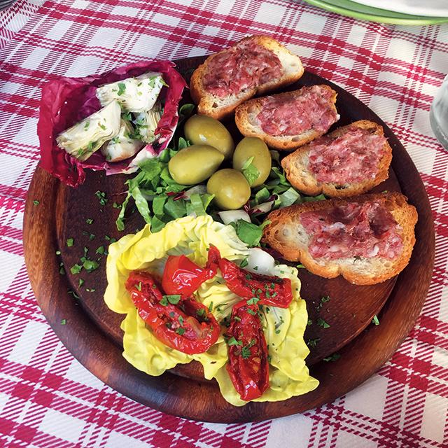 바쁜시간짬을 내서 찾아간 레스토랑에서 맛본 이탈리아 남부 스타일의 요리