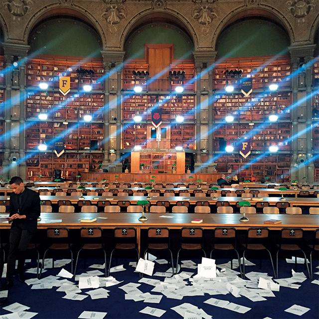 펜티×푸마 컬렉션이 열린 파리 국립 도서관