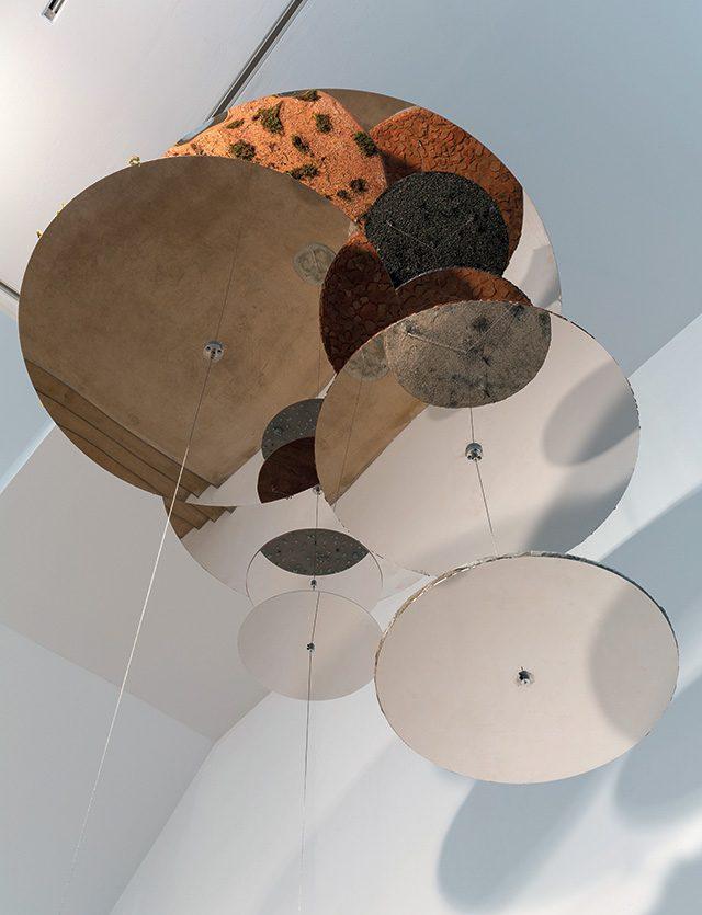 정소영, Circular Strata', 2013, Super mirror, concrete, wood, sand, cork, stone, fake grass, wire, Various Dimension