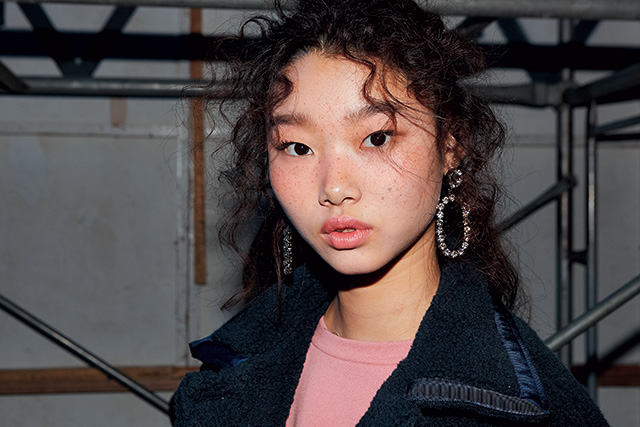 더스튜디오케이 쇼 백스테이지에서 만난 모델 배윤영