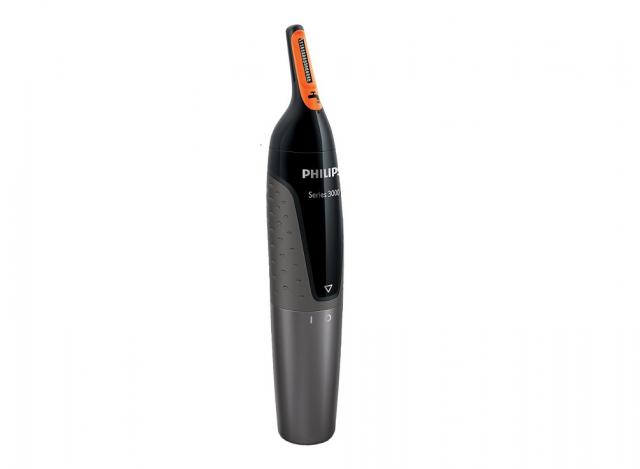 Philips노즈 트리머 NT3160. 코털과 눈썹 정리 겸용 전동 면도기로 길이만 다듬을 수도 있고 한 번에 눈썹이 잘려나가는 걸 방지할 수 있다.