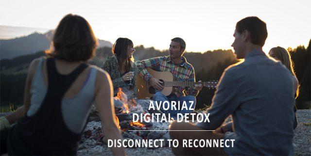 프랑스와 미국 등지에서는 디지털 세상과 차단하고 실제 자연과 사람을 접하며 휴식을 취하는 '디지털 디톡스' 여행 프로그램이 등장하기도 했다.