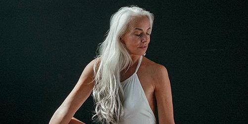 나이는 더 이상 싸워야 할 대상이 아니다.  나날이 아름다운 자신을 발견하는 여섯 가지 방법.