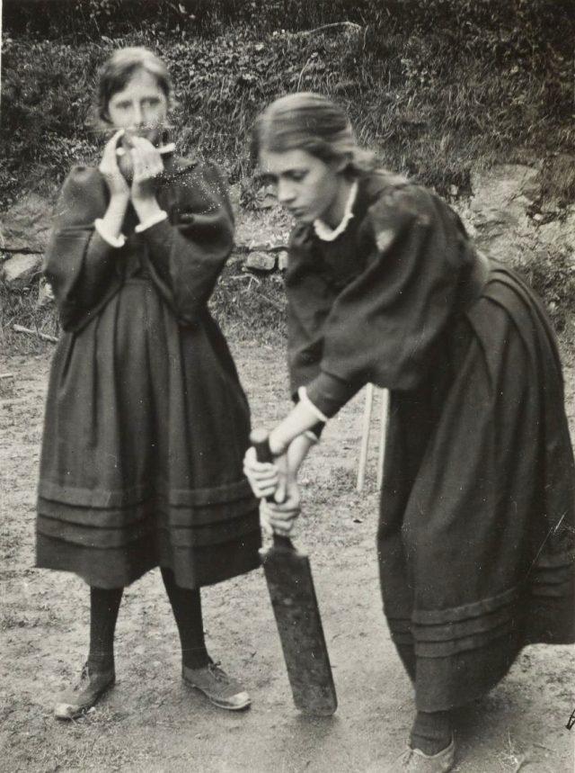 바네사 벨과 언니 버지니아 울프