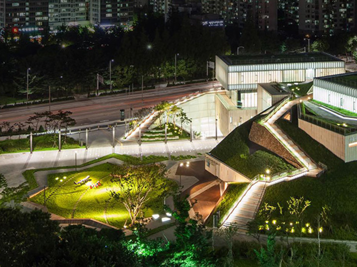 놀이공원만 야간개장을 하는 건 아니다. 선선한 저녁무렵 가볍게 즐길 수 있는 예술 여행.