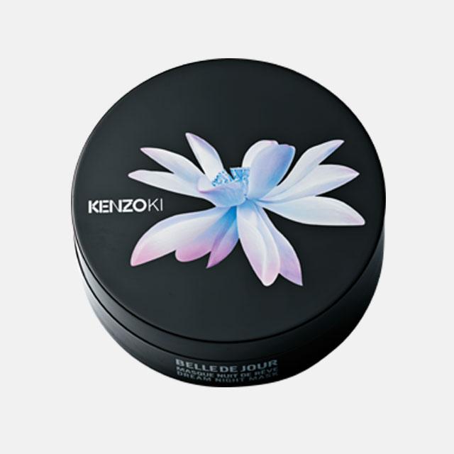 Kenzo Ki 벨르 드 주르 드림 나이트 마스크 화이트 로투스와 분꽃 추출물이 달아오른 피부에 수분을 가득 채워 최적의 피부 컨디션을 만들어주는 나이트 마스크. 75ml, 12만6천원