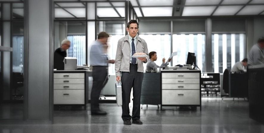 지금 당장 퇴사하고 싶은 사람? 책상 안쪽 깊숙이 넣어둔 사직서 대신 퇴사봇 보고 가세요.