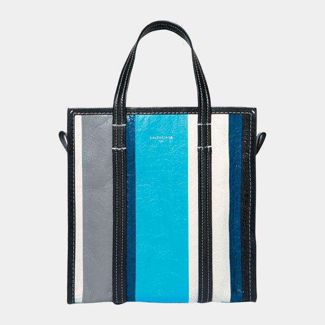 시원한 블루 스트라이프 패턴의 쇼퍼 백은 2백25만원으로 Balenciaga