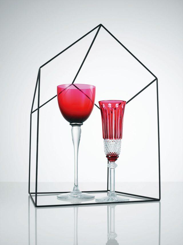 와인 잔과 샴페인 잔은 모두 가격 미정으로 Hermès 제품.