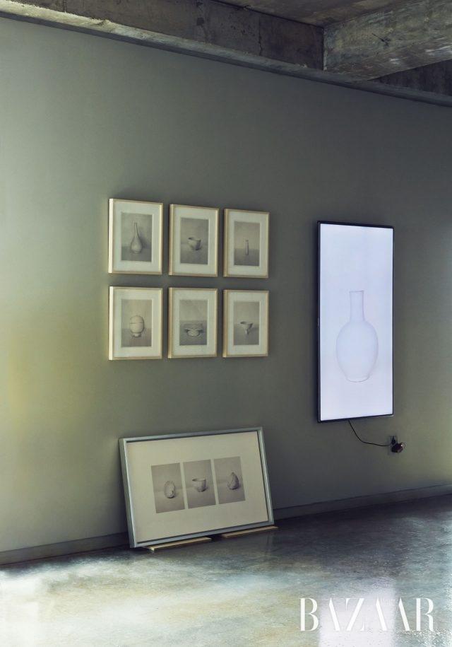 '백자' 시리즈와 샌프란시스코 공항에 설치하기 위해 제작한 '백자' 사진을 이용한 비디오 작품.