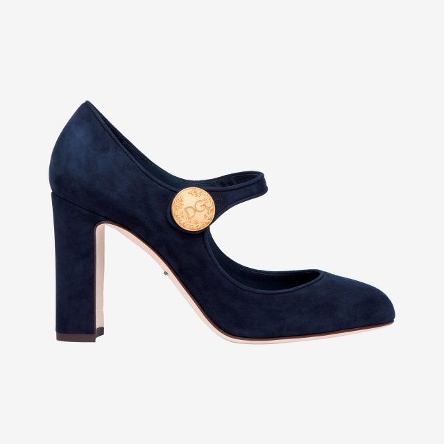 골드 로고 버클 디테일의 메리제인 슈즈는 가격 미정으로 Dolce & Gabbana