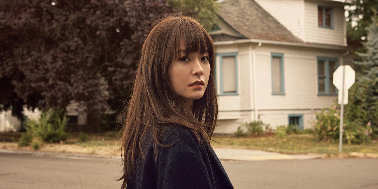 시애틀의 한적한 마을과 호수, 그리고 거리에서 만난 배우 정유미의 가을 룩.