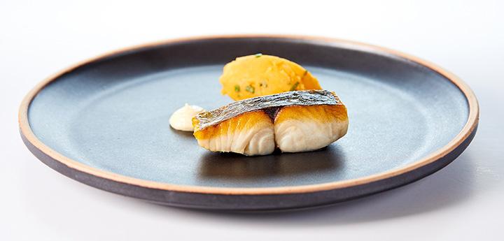 스페인식 구운 고등어와 감자 초절임