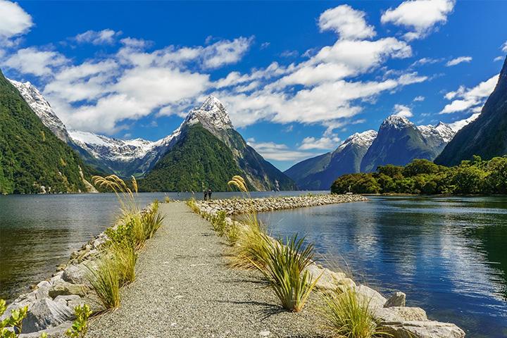 5. 뉴질랜드|어느 곳을 둘러봐도 아름답기 그지없다. 뉴질랜드에 머무는 동안 이곳에서 진행되는 다양한 액티비티에 감사하게 될 것이다. 뉴질랜드는 아웃도어에 열광하는 이들을 위한 천국과 같은 국가다.
