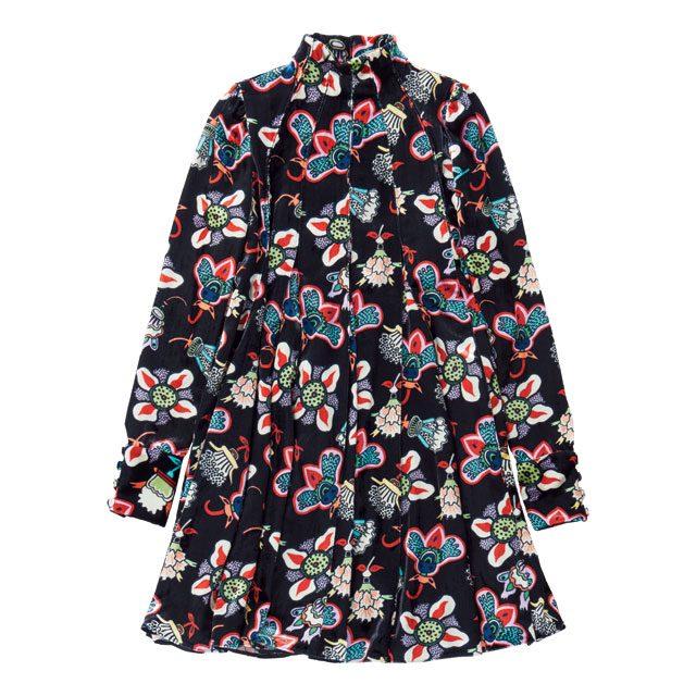 식물 모티프 프린팅이 더해진 플리츠 드레스는 가격 미정으로 Valentino