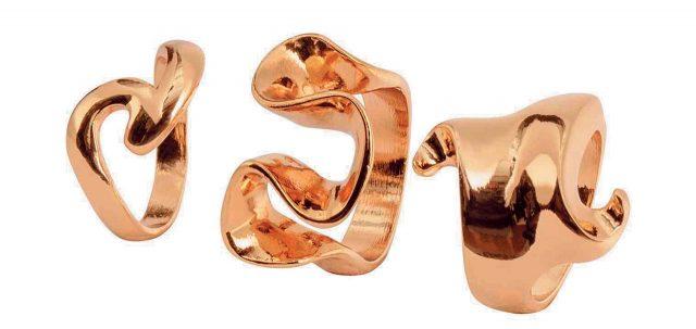조형적인 반지는 1만5천원으로 H&M