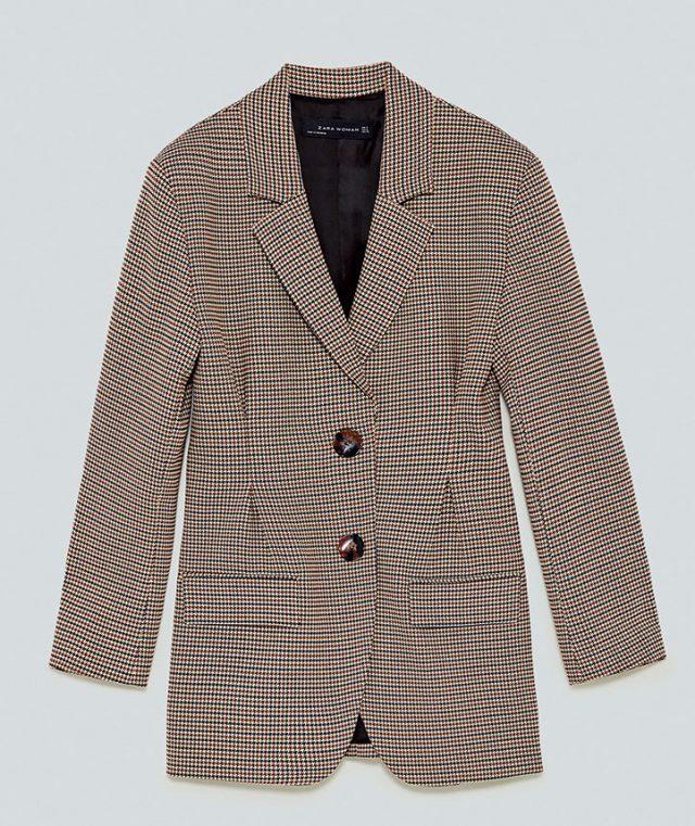 잘록한 허리가 연출되는 재킷은 16만9천원으로 Zara
