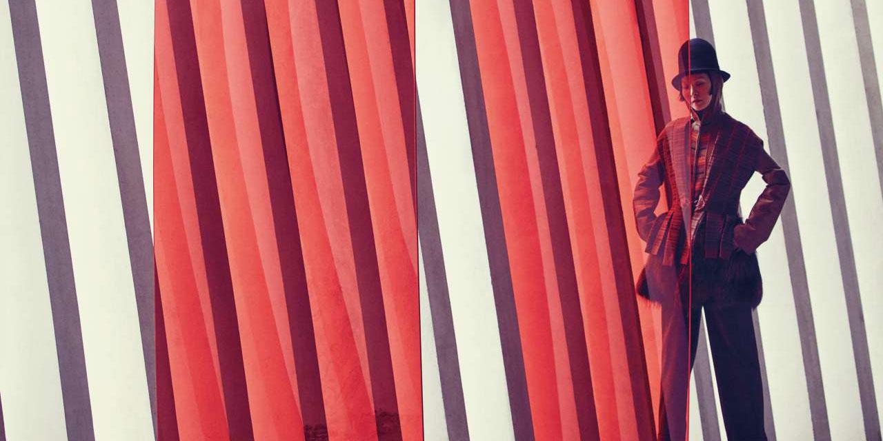 디자이너 루비나의 38주년을 기념하는 전시가 DDP에서 열린다.                                               <끝없는 여행(Endless Journey)>이라는 전시명처럼, 늘 새로운 것을 받아들이는 데 주저함이 없는 여행가의 마음가짐으로, 실험적이고 열정적인 패션 디자이너로서의 삶을 살아온 그녀. 여기, 한국을 대표하는 10명의 사진가들이 루비나의 아카이브 룩을 2017년의 감성으로 재해석해 이국적이고, 기이하며,  우아하고, 때론 환상적인 순간을 저마다의 프레임 속에 담아냈다.