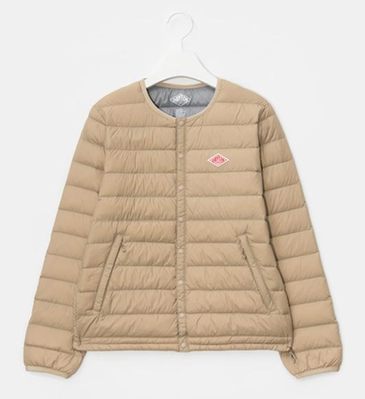 부드러운 라테 컬러의 재킷이 어떤 스타일과도 잘 어울린다. 29만5천원, 당통 by 비이커
