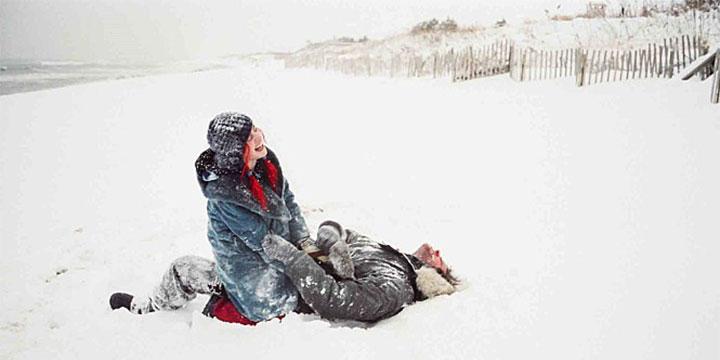 혼자라서 더 추운 눈 오는 날. 난 그가 있기에 따뜻했다.