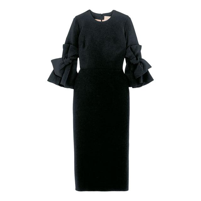 리본 장식으로 여성스러움을 더한 드레스는 1백30만원대로 Roksanda by Net-A-Porter