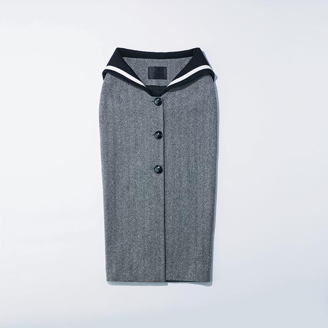 세일러 재킷을 위트 있게 변형한 펜슬 스커트는 52만원으로 YCH