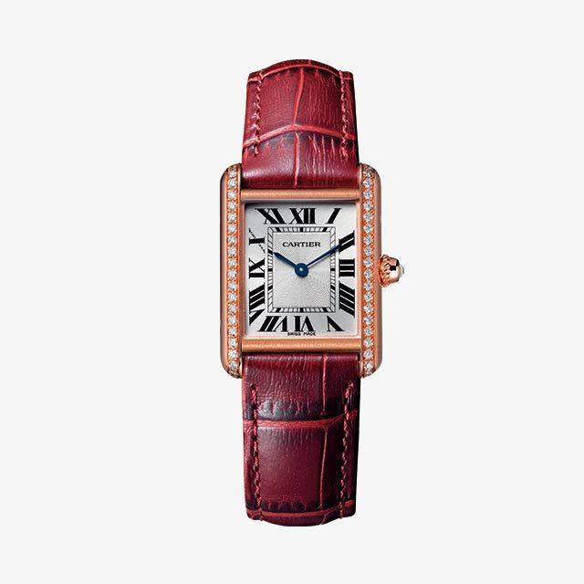 시대를 초월하는 클래식한 디자인에 다이아몬드와 버건디 컬러의 앨리게이터 가죽 스트랩을 매치한 시계는 가격 미정으로 Cartier