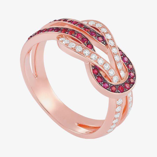 핑크 골드에 레드 컬러 다이아몬드가 더해진 반지는 500만원대로 Fred