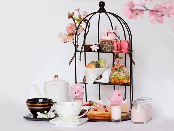 만개한 벚꽃을 연상시키는 달콤한 '체리 블로썸 & 블룸_ 애프터눈 티' 세트,