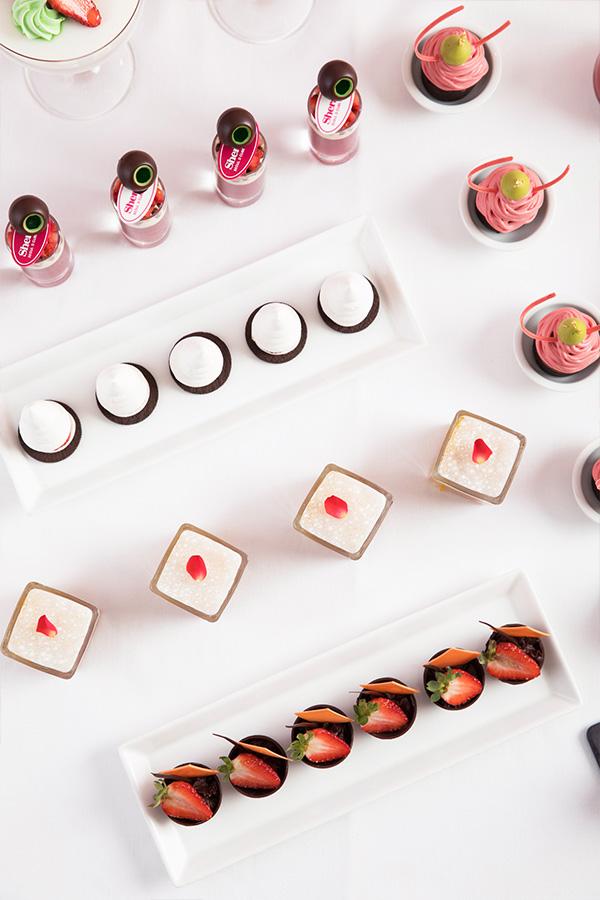 딸기를 활용한 다양한 디저트 먹거리.