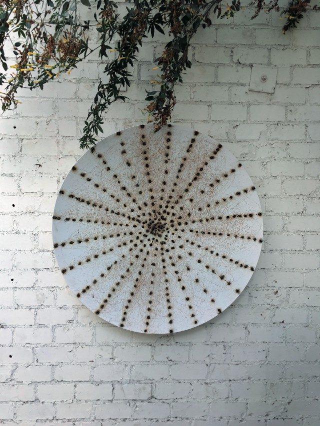 앤서니 제임스(Anthony James)의 작품 'Spaziale Shield'(2016).