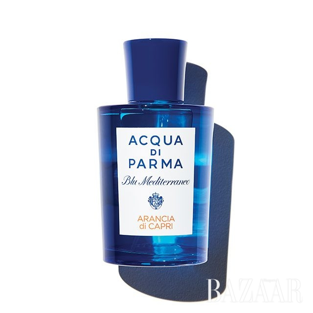 Acqua Di Parma 아란치아 디 카프리 시트러스는 최근 남성들에게 인기를 끌고 있는 향조 중 하나다. 프루티 향은 여성들의 전유물이라 여겨졌지만 오렌지, 만다린, 레몬의 상큼함에 대한 선호는 남녀가 따로 없는 듯. 150ml 19만5천원.