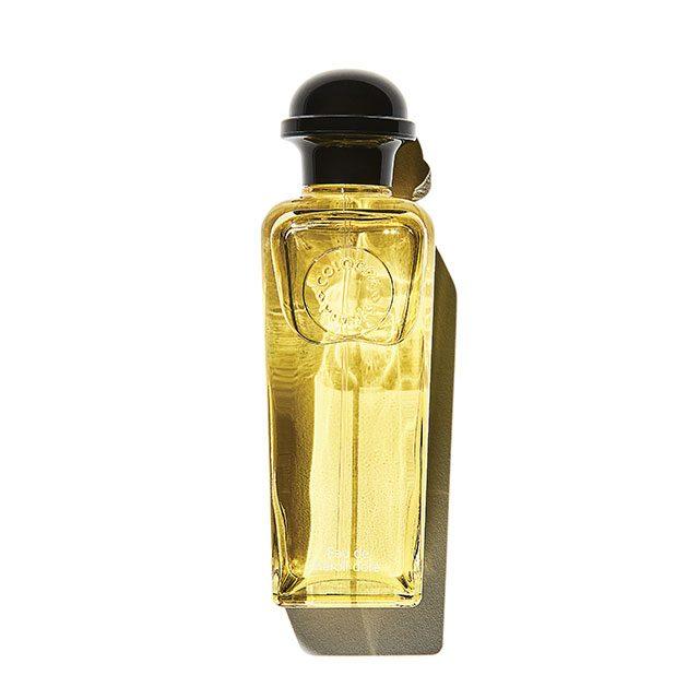 Hermés 오 드 네롤리 도레 오드코롱 조향사 장 클로드 엘레나가 만든 향수에 남성용, 여성용의 딱지를 붙이는 일은 부질없다. 오렌지 꽃 에센스가 황금빛 지중해를 느끼게 해주는 향. 100ml 15만2천원.