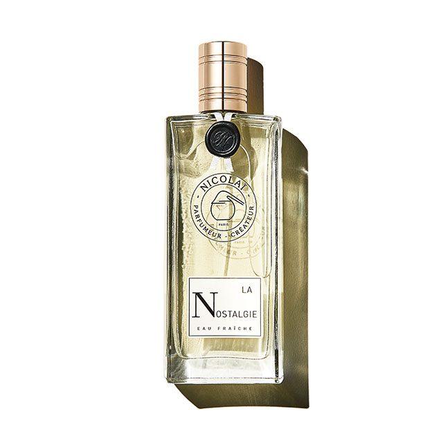Nicolai 라 노스텔지 라일락, 로즈, 재스민, 일랑일랑까지 은은한 플로럴 노트의 진수를 느낄 수 있다. 여성스러운 향이지만 의외로 니콜라이 향수 중 남자들에게 인기 있는 향으로 꼽힌다. 100ml 16만7천원.