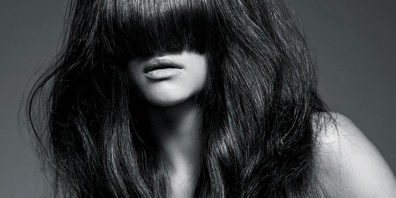 점차 숱이 줄어들고 푸석푸석해지는 머리카락 때문에 당신이 꿈꾸는 헤어에 대한 희망을 내려놓을 필요는 없다.