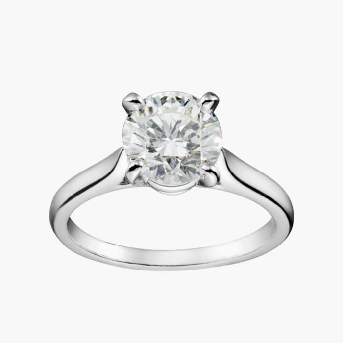 브릴리언트 컷 다이아몬드가 세팅된 솔리테어 링은 Cartier