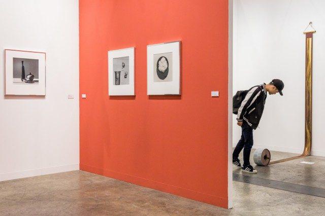 취리히 갤러리 마이 36 갤러리(Mai 36 Galerie)의 부스 전경.