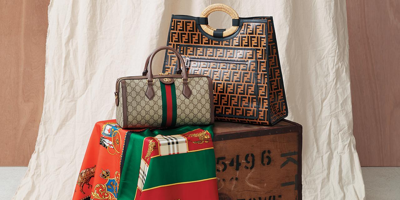 패션 하우스의 클래식한 로고를  21세기적 감성으로 재해석한 새로운 빈티지 제품들.