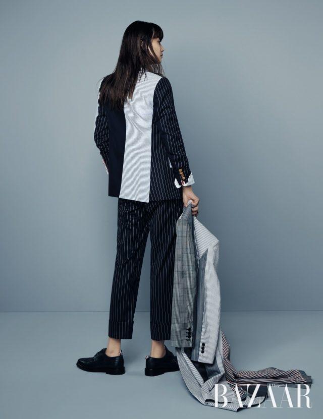 다양한 컬러와 패턴의 스트라이프 패턴이 어우러진 재킷, 핀스트라이프 패턴의 팬츠, 체크와 스트라이프가 믹스된 스프링 코트, 로퍼는 모두 가격 미정으로 Thom Browne 제품.