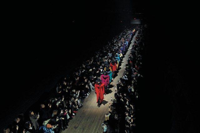 뉴욕 패션위크의 마지막을 드라마틱하게 장식한 마크 제이콥스의 피날레.