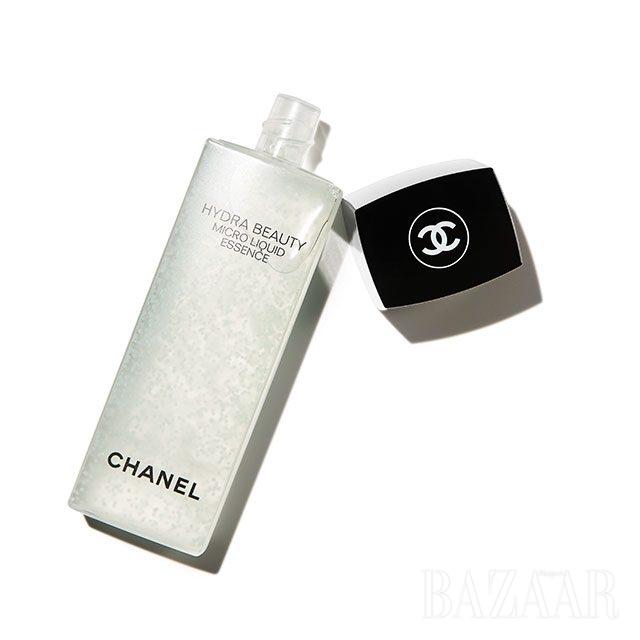Chanel 이드라 뷰티 마이크로 리퀴드 에센스 13만7천원.